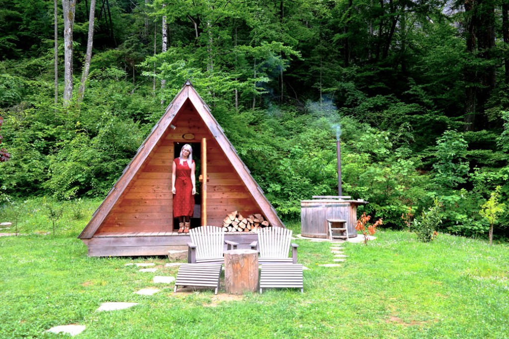 Boho accommodation camping bled sloveni glamping in een houten tent met hot tub bij lake - Houten hut ...